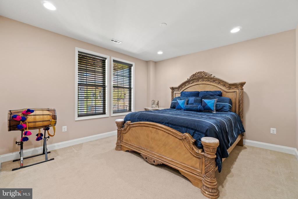 LL Bedroom - 42838 DOBSON CT, BROADLANDS