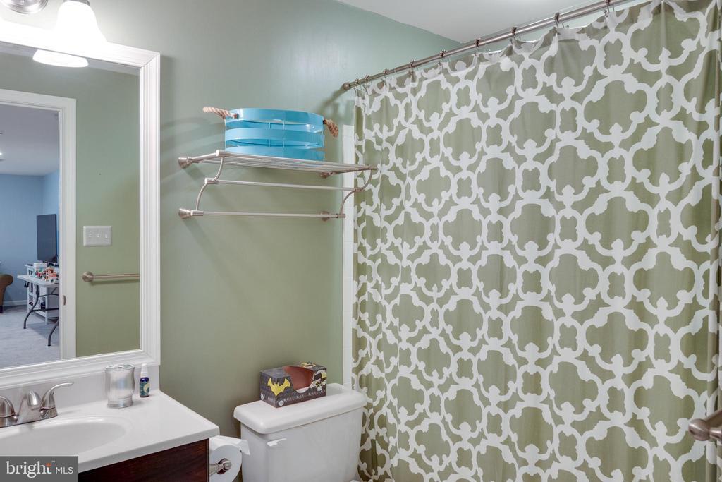 Basement Bathroom - 15971 KENSINGTON PL, DUMFRIES
