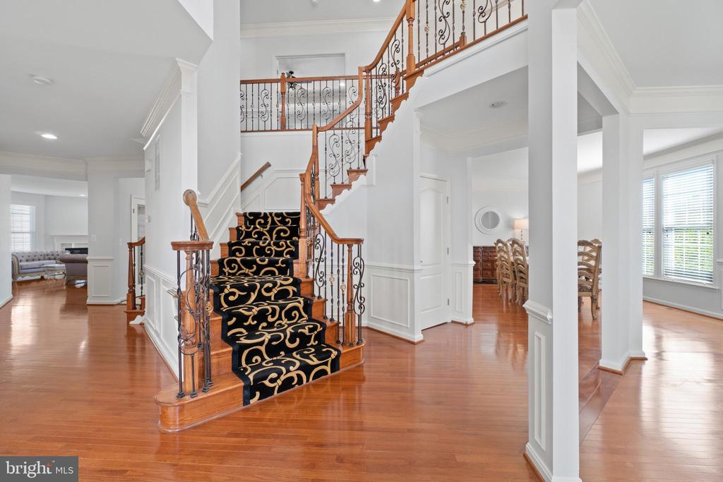 Foyer - 42838 DOBSON CT, BROADLANDS