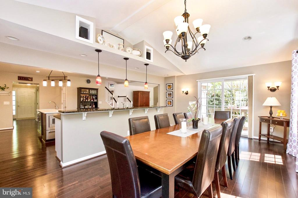 Open Concept! - 20766 RIVERBIRCH PL, STERLING