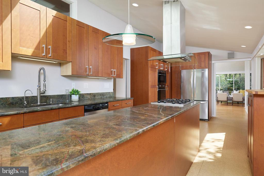- 11530 HIGHVIEW AVE, SILVER SPRING