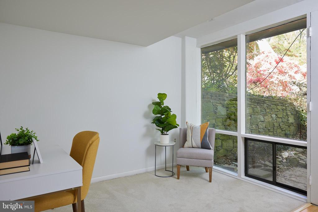 Lower level office space - 11530 HIGHVIEW AVE, SILVER SPRING