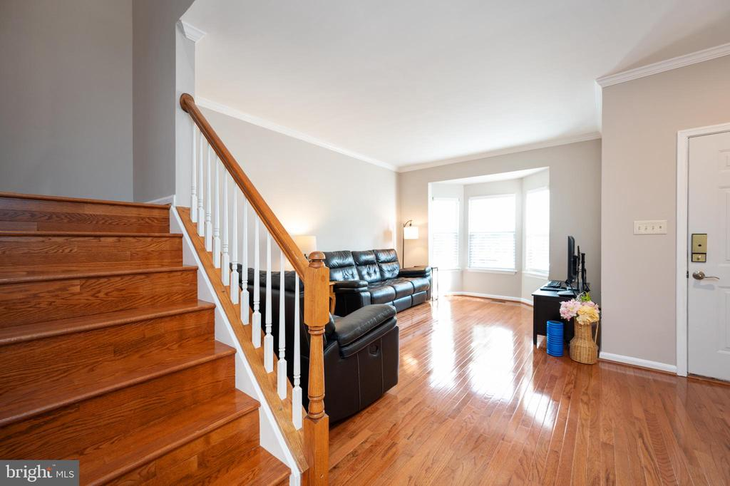 Main level & stairs  hardwood  refininished! - 4 CATHERINE LN, STAFFORD