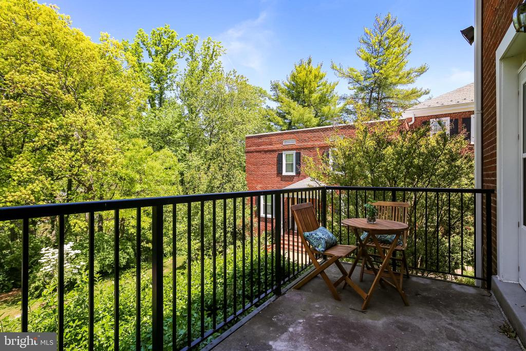 Balcony w/view of green space & walking trail - 4839 27TH RD S, ARLINGTON