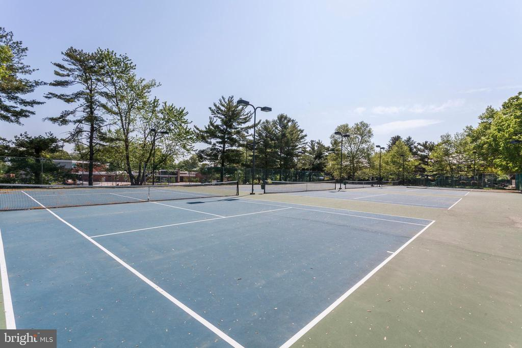 Community tennis courts - 4839 27TH RD S, ARLINGTON