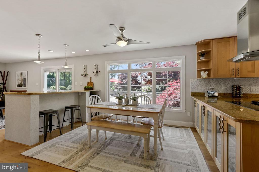 Kitchen Bar Area - 7608 MANOR HOUSE DR, FAIRFAX STATION
