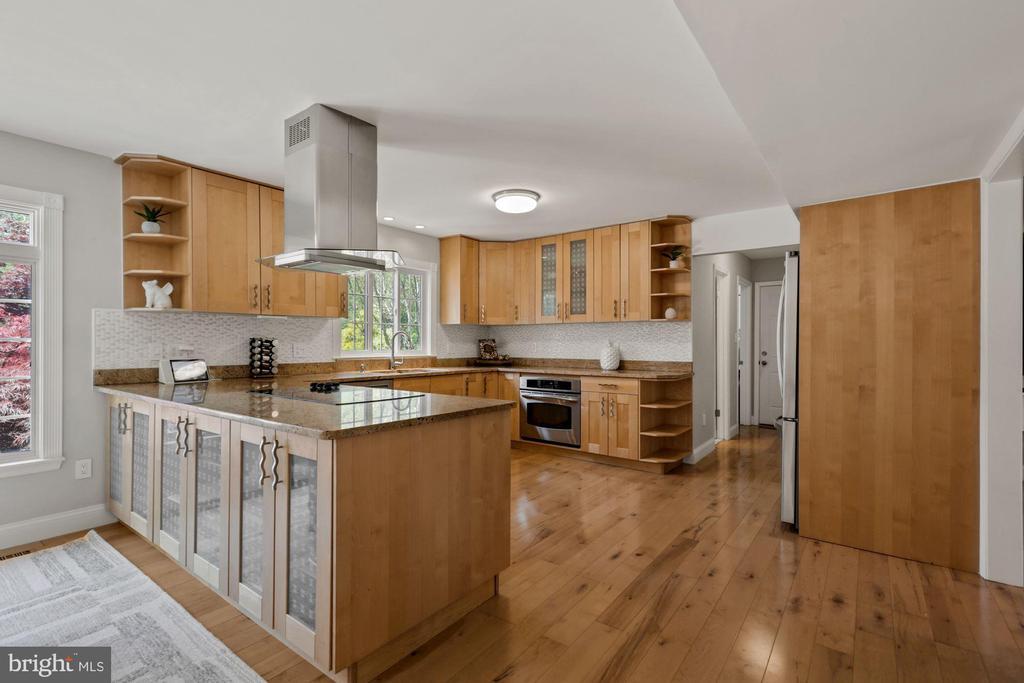 Gourmet Kitchen - 7608 MANOR HOUSE DR, FAIRFAX STATION