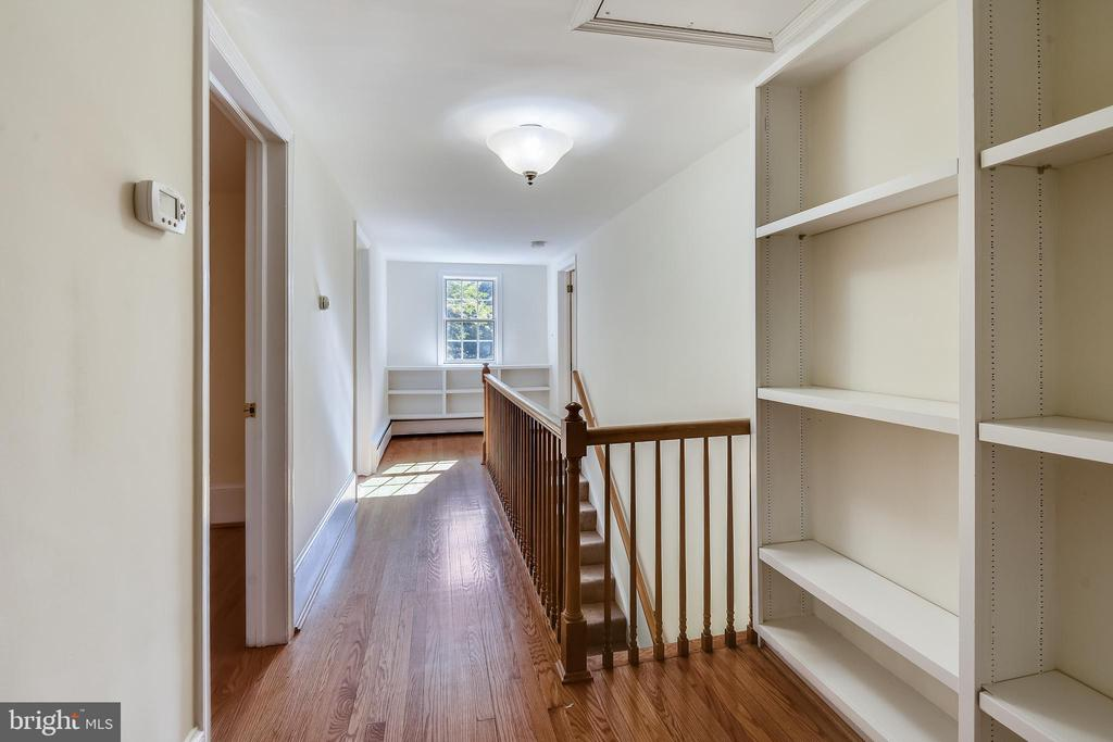 Stairs to upper level - 3033 KNOLL DR, FALLS CHURCH