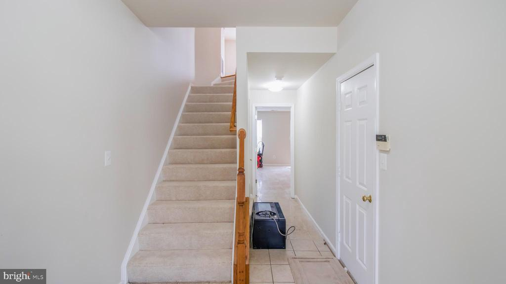 Stairs - 43533 LAIDLOW ST, CHANTILLY
