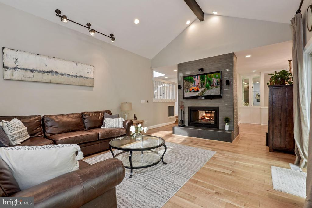 View of living area with fireplace - 2108 OWLS COVE LN, RESTON