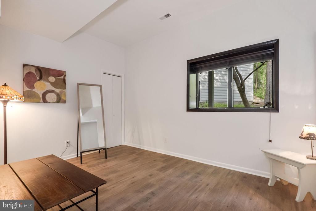 5th bedroom or workout room! - 2108 OWLS COVE LN, RESTON