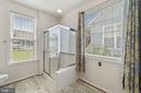 Oversized stall shower - 6293 CULVERHOUSE CT, GAINESVILLE