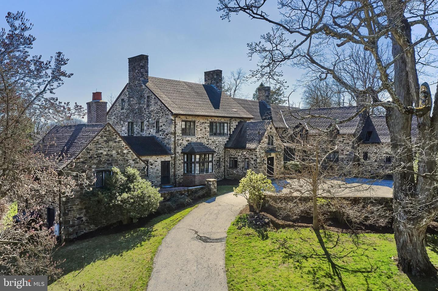 Photo of 980 PROVIDENCE RD, NEWTOWN SQUARE, PA 19073