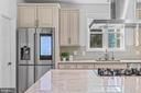 Upgraded stainless steel appliances. - 304 BERRY ST SE, VIENNA