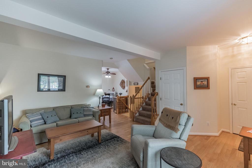 Livingroom - 43017 EUSTIS ST, CHANTILLY