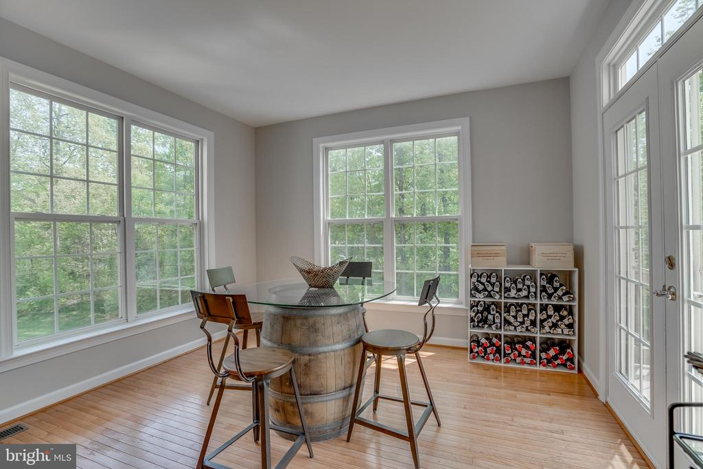 Great Office Space! - 13297 SCOTCH RUN CT, CENTREVILLE