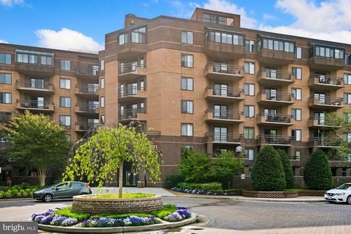 2111 WISCONSIN AVE NW #524