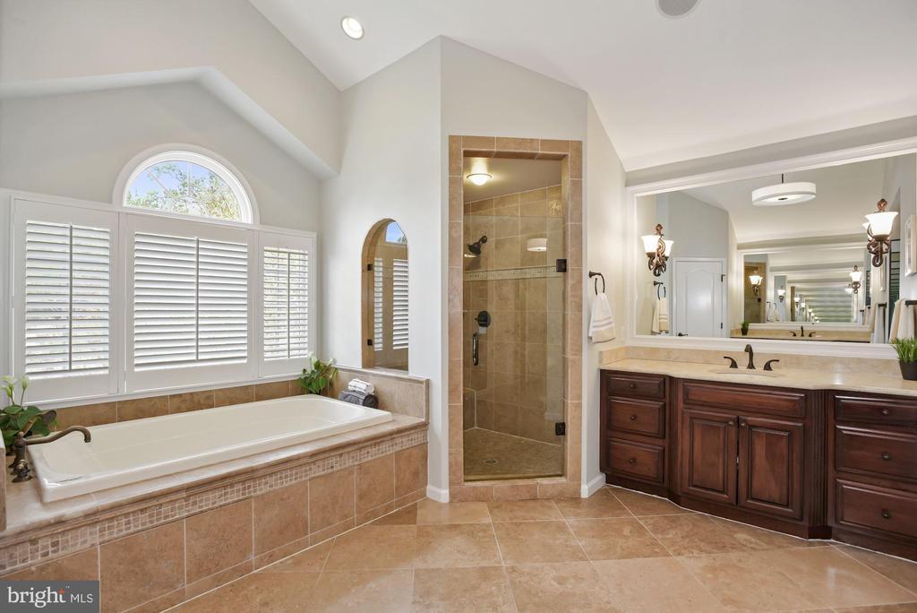 Master Bathroom - 3701 MAPLE HILL RD, FAIRFAX