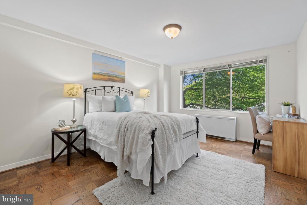 Second Bedroom with Oversized Window - 1200 N NASH ST #240, ARLINGTON