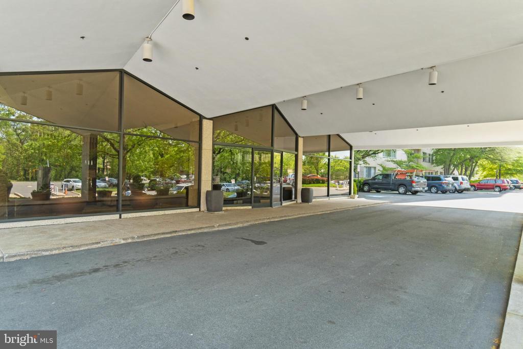 Prospect House Entrance - 1200 N NASH ST #240, ARLINGTON