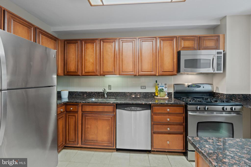 Updated Kitchen - 1200 N NASH ST #240, ARLINGTON