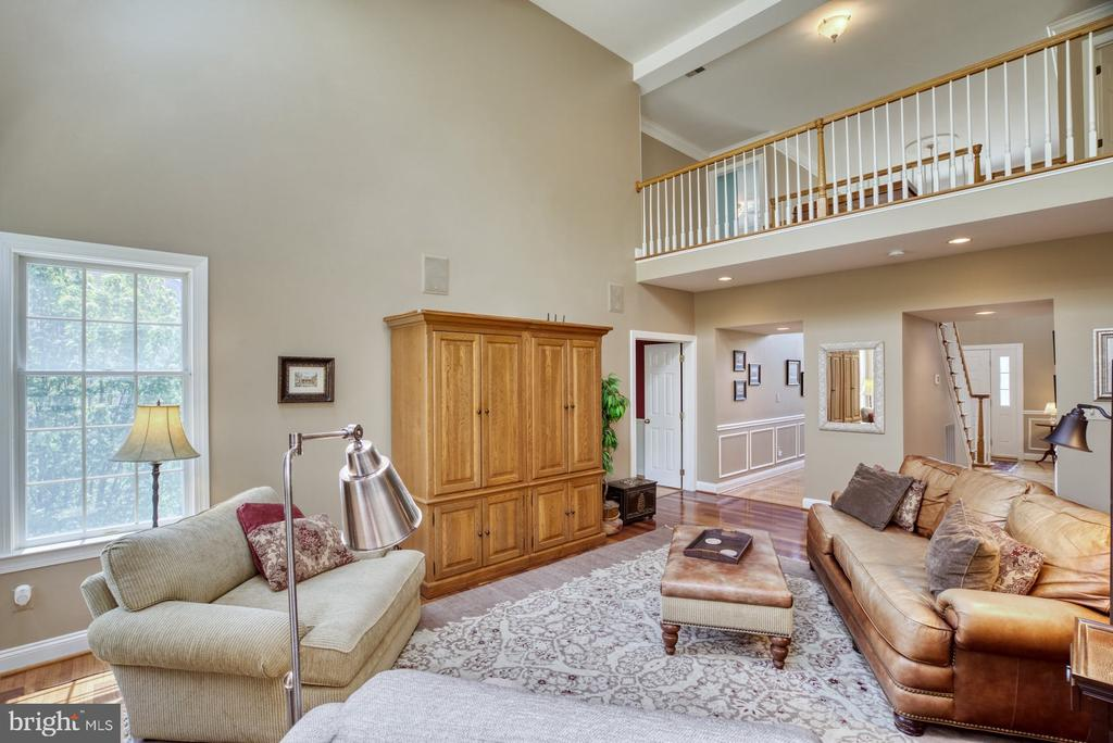 Family Room Open to Upstairs Hallway - 1269 COBBLE POND WAY, VIENNA