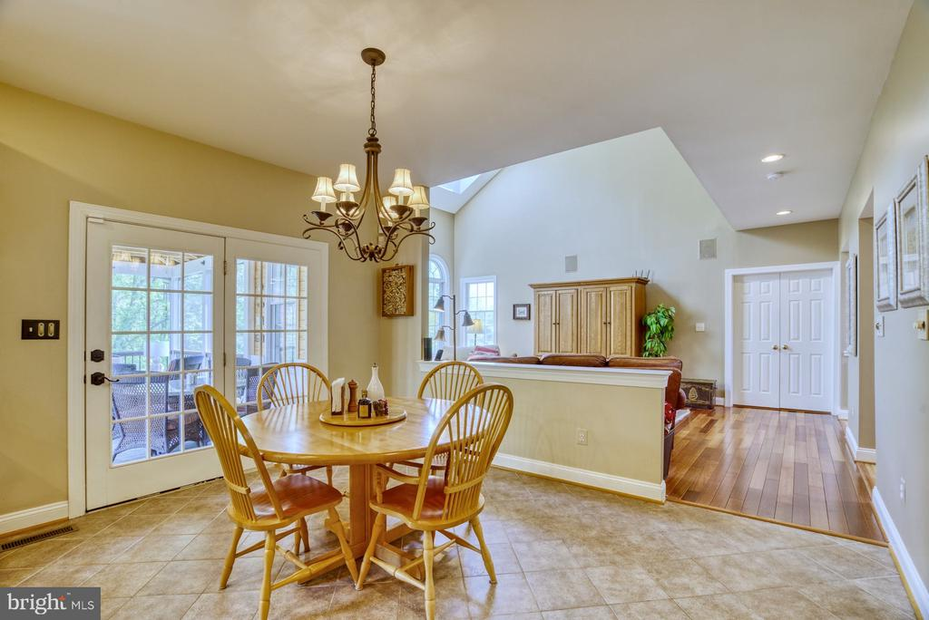 Screened Porch Access Great for Entertaining - 1269 COBBLE POND WAY, VIENNA
