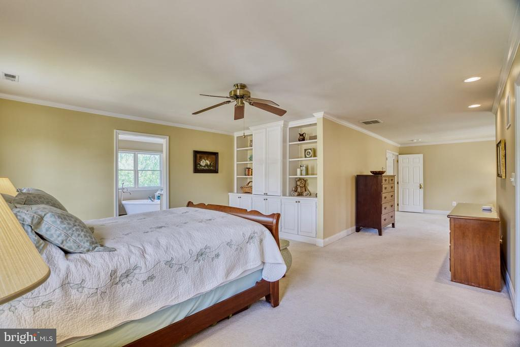 Primary Bedroom with Built In Cabinetry - 1269 COBBLE POND WAY, VIENNA