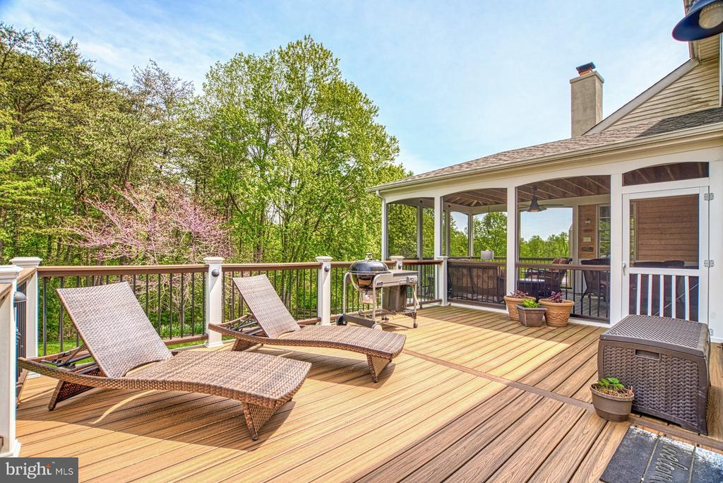 Fantastic Deck For Grilling and Entertaining - 1269 COBBLE POND WAY, VIENNA