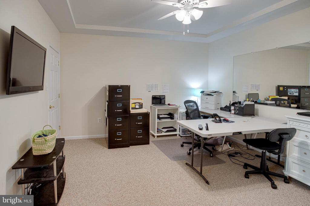 Bonus Room Office/Den - 42624 LEGACY PARK DR, BRAMBLETON
