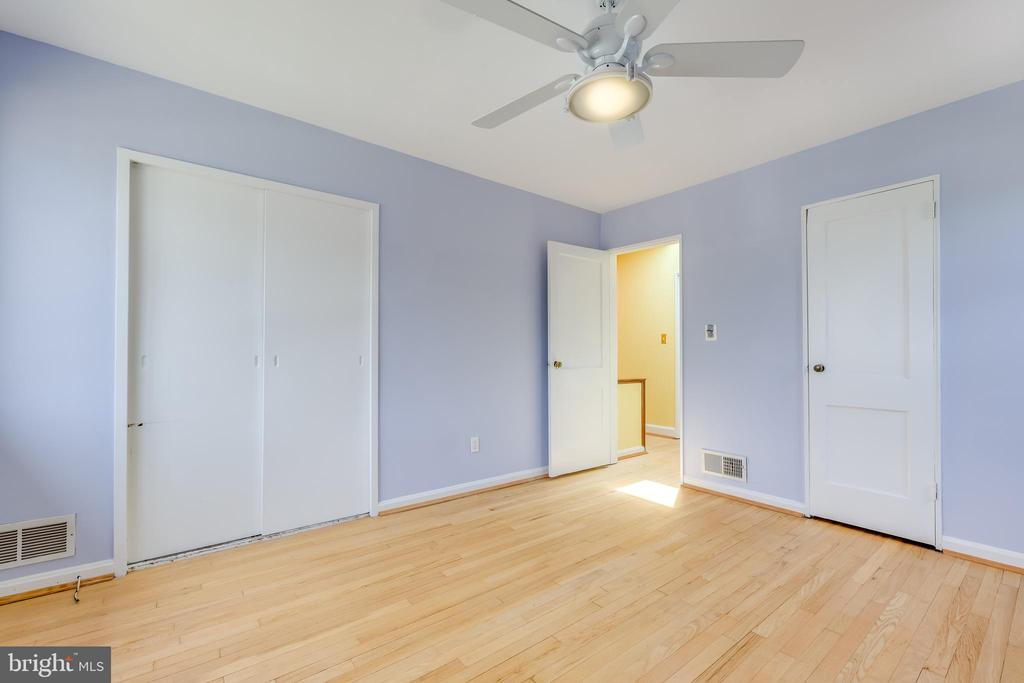 Two Closets, One with Elfa organizer - 3206 13TH RD S, ARLINGTON