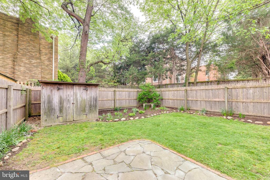 Patio and Shed - 3206 13TH RD S, ARLINGTON