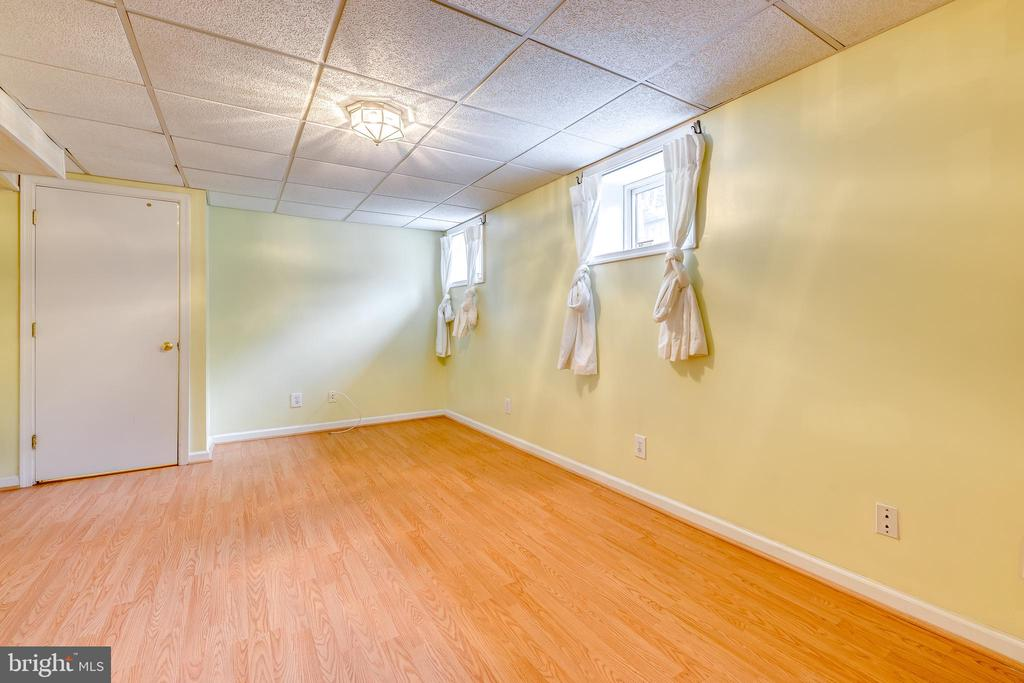 Large Rec Room - 3206 13TH RD S, ARLINGTON