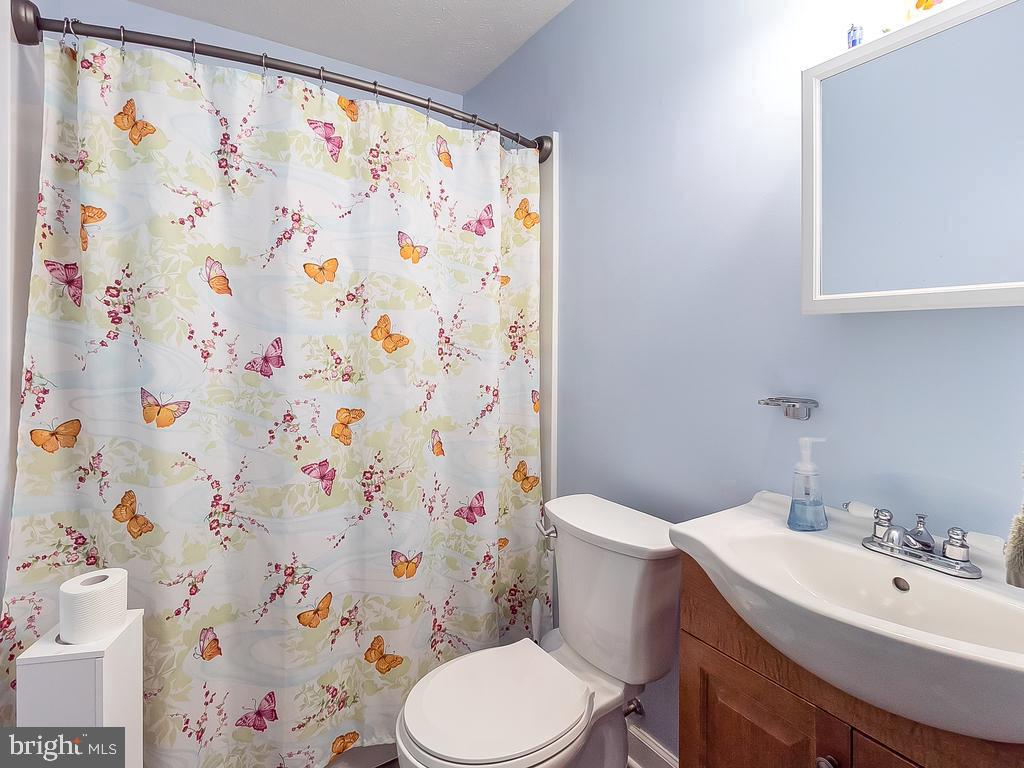 Hall bath has been updated - 4 BERTRAM BLVD, STAFFORD
