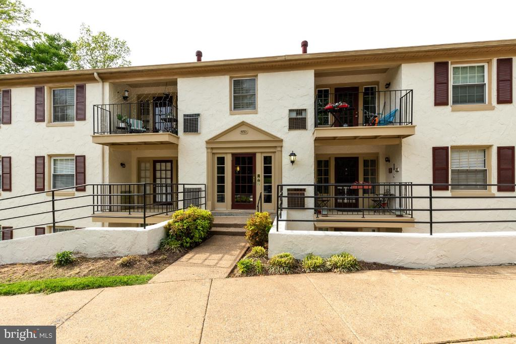 Welcome Home! - 5801-J REXFORD DR #807, SPRINGFIELD