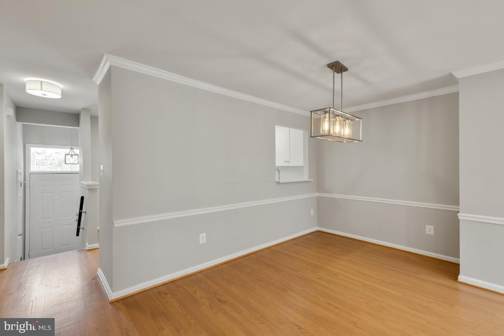 - 7768 MARSHALL HEIGHTS CT, FALLS CHURCH