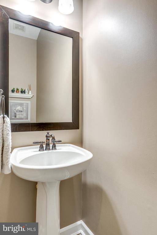 Powder Room - 47788 SAULTY DR, STERLING