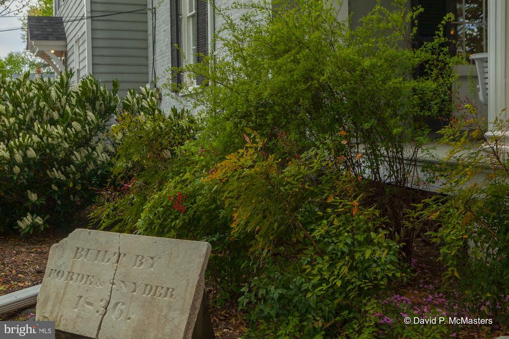 Original plaque  1836 - 417 E WASHINGTON ST, CHARLES TOWN