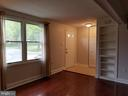 Living room 3 - 5832 CANVASBACK RD, BURKE
