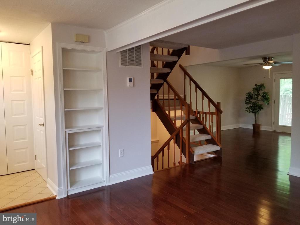 Living room 5 - 5832 CANVASBACK RD, BURKE
