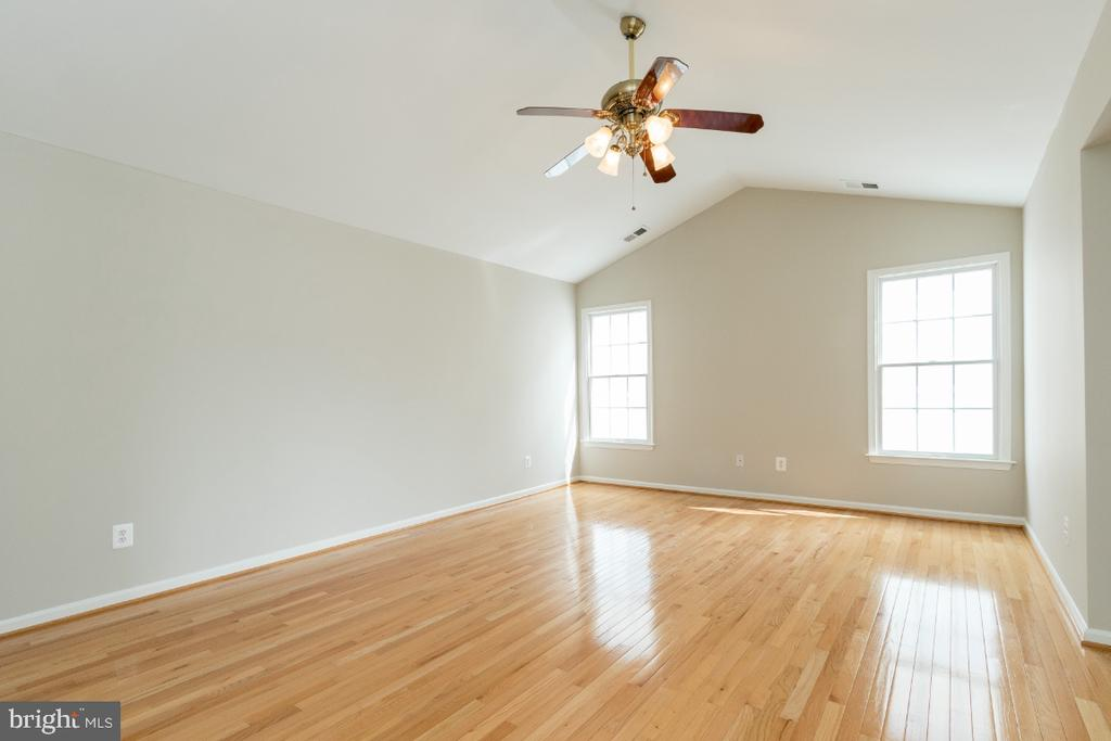 Main Suite Bedroom - 25466 GIMBEL DR, CHANTILLY