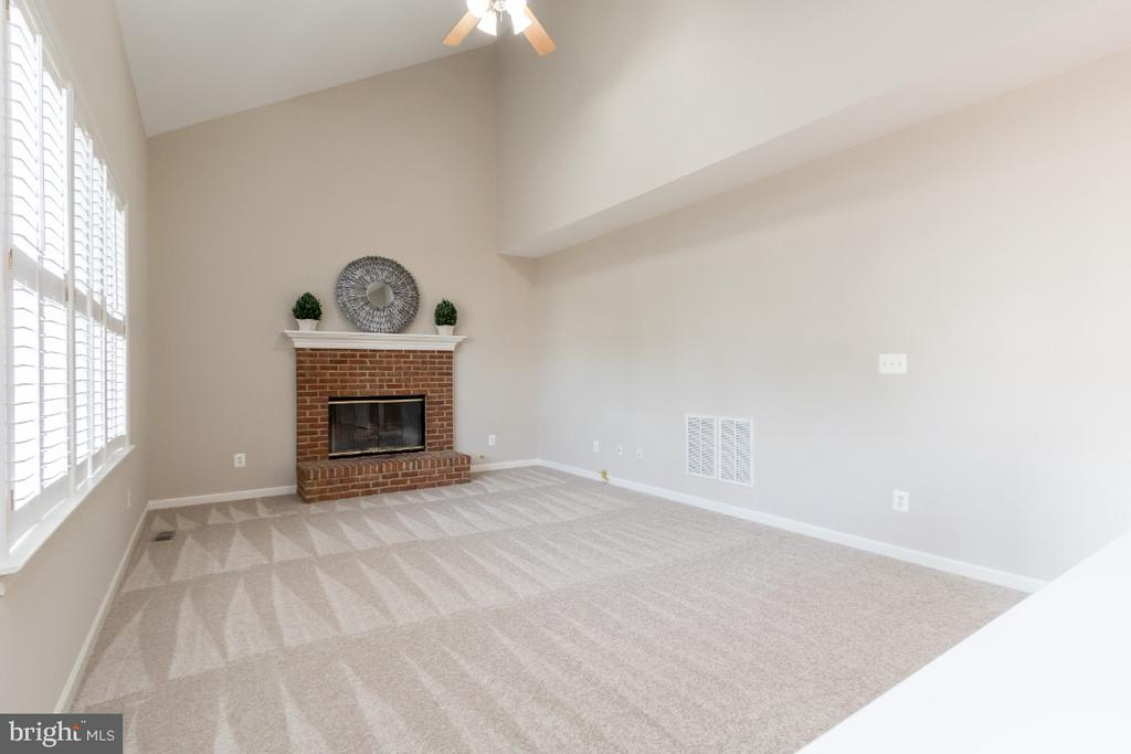 Family Room - 25466 GIMBEL DR, CHANTILLY