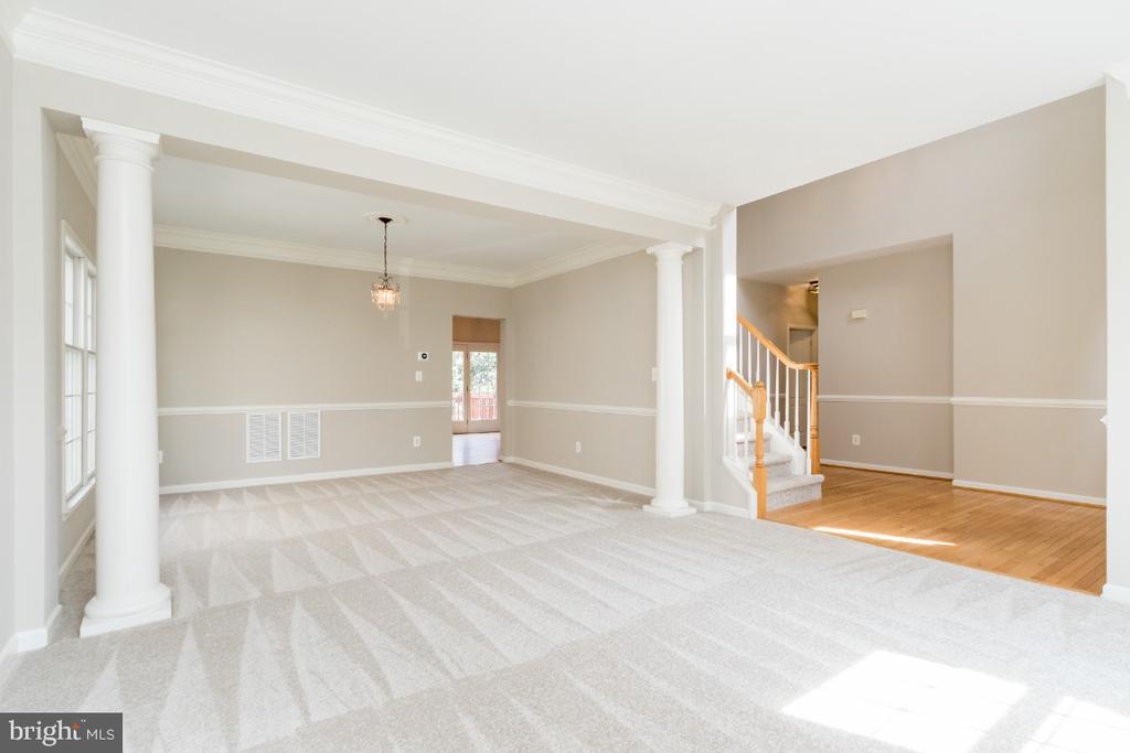 Open Floor Plan - 25466 GIMBEL DR, CHANTILLY