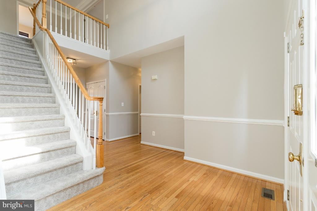 Hardwood Floors - 25466 GIMBEL DR, CHANTILLY