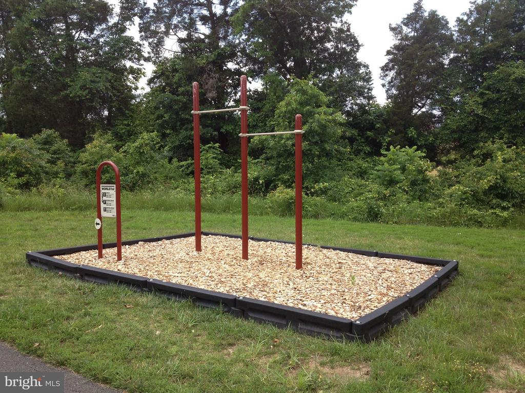 Fitness Trails - 25466 GIMBEL DR, CHANTILLY