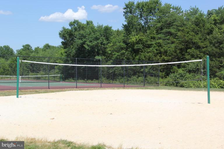 Volleyball Courts - 25466 GIMBEL DR, CHANTILLY