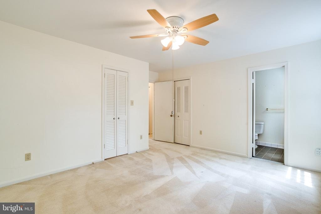 Master Bedroom  has 2 closets: walk-in and double - 7305 LANGSFORD CT, SPRINGFIELD