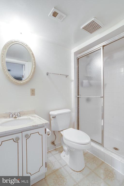 Full bath #3 - 7305 LANGSFORD CT, SPRINGFIELD