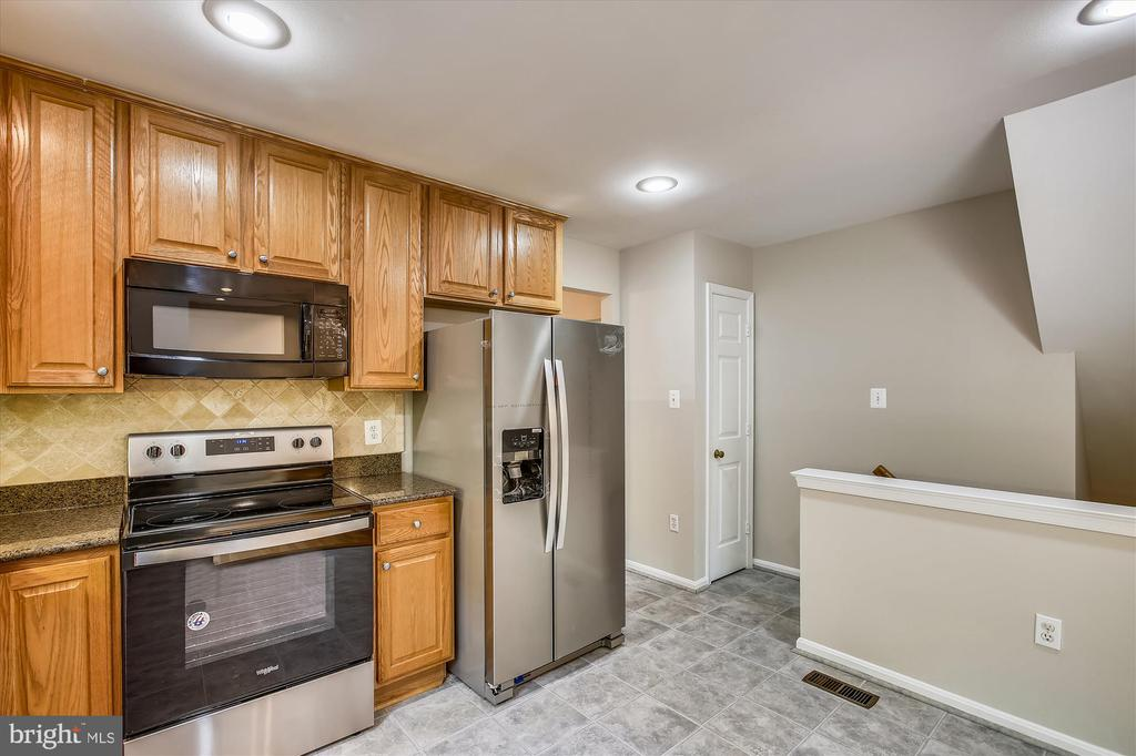 Kitchen - 826 POTOMAC RIDGE CT, STERLING