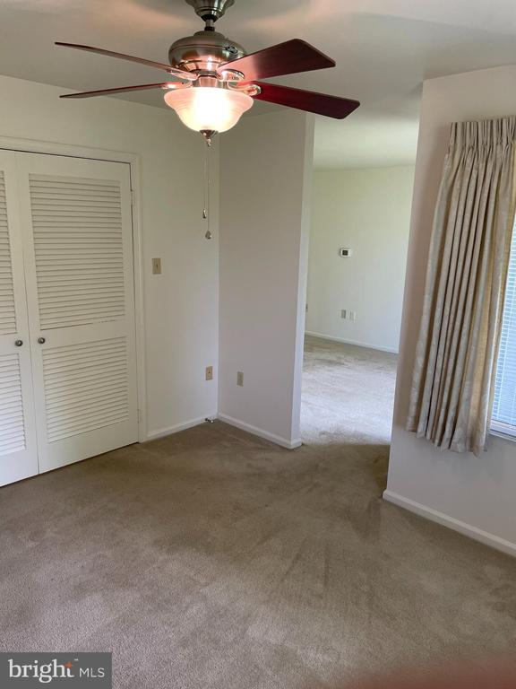 transition from living room to den or din. rm - 1006 BRINKER DR #102, HAGERSTOWN